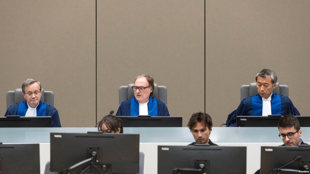 Judge Cuno Tarfusser (C), judge Chang-ho Chung (R) and judge Marc Perrin de Brichambautat (L) issue a ruling on South Africa's failure to arrest Omar al-Bashir, during a session of the ICC in The Hague, July 6, 2017. (Reuters)